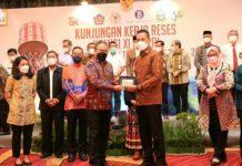 Anggota Komisi XI DPR RI dari dapil 2 Sumut Gus Irawan Pasaribu mengikuti kunjungan kerja Komisi XI ke Pemprvosu untuk mengetahui berbagai kebijakan telah ditempuh oleh Pemerintah Provinsi (Pemprov) Sumatera Utara (Sumut) dalam mempercepat pemulihan ekonomi.