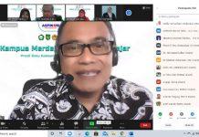 Ketum Aspikom Pusat Dr Muhammad Sulhan saat memberikan sambutan dalam webinar MBKM Aspikom Korwil Sumut, Kamis (1//4/2021)