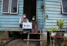 Sebanyak 1.071 mustahik yang berada di sekitar perkebunan PT Herfinta Farm and Plantation (HFP) terima zakat yang disalurkan melalui Lembaga Amil Zakat Nasional Djalaludin Pane Foundation (LAZNAS DPF), Sabtu (1/5/2021).