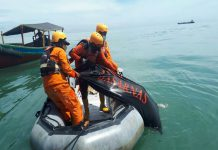 Pencarian hari ketiga terhadap Safri (24), anak buah kapal (ABK) yang lompat dari kapal akhirnya membuahkan hasil. Ia ditemukan ke arah 7 mil laut dari bibir Pantai Labu, Kamis (6/5/2021) sekita pukul 10.49 WIB.