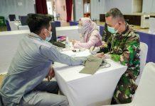 PT Indonesia Asahan Aluminium (Persero) atau Inalum vaksinasi COVID-19 terhadap sekitar 2.000 pegawai secara bertahap.