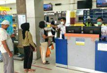 Bagi pelanggan kereta api antarkota di wilayah Sumatera Utara (Sumut)wajib menunjukkan surat keterangan hasil negatif Rapid Test Antigen maksimal 1x24 jam atau tes RT-PCR maksimal 2x24 jam sebelum keberangkatan.