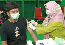 Sebanyak 169 atlet Kota Medan dari 43 cabang olahraga dan 40 orang pelatih mengikuti vaksinasi di Stadion Teladan, Kamis (8/7/2021)