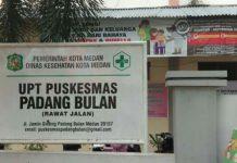 Vaksinasi di UPT Puskesmas Padang Bulan Jalan Jamin Ginting Medan terpaksa harus distop karena ketersediaan vaksin yang mengalami kekosongan sejak 10 hari terakhir.