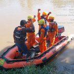 Seorang remaja bernama Rendi (12), warga Perumahan Sri Gunting Desa Sei Beras Sekata Kecamatan Sunggal Kabupaten Deli Serdang hanyut terbawa arus sungai Belawan, Jumat (30/7/2021) sekitar pukul 15.00 WIB.