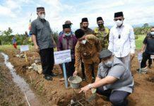 Anggota DPR RI Gus Irawan Pasaribu bersama Bupati Tapanuli Selatan H Dolly Pasaribu SPt, MM mencanangkan desa wisata di Huta Ginjang Kabupaten Tapanuli Selatan.