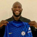 Romelu Lukaku resmi kembali ke Chelsea pasca proses transfernya dari Intermilan rampung, Kamis (12/8/2021) tengah malam. Pemain berpaspor Belgia itu dikontrak sampai 2026.