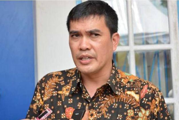 Gubernur Sumatera Utara (Sumut) Edy Rahmayadi melantik Naslindo Sirait sebagai Kepala Biro Perekonomian Setdaprovsu di Aula Tengku Rizal Nurdin Jalan Jenderal Sudirman Medan, Senin (23/8/2021).