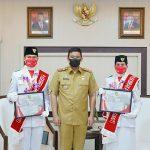 Walikota Medan, Bobby Nasution menyampaikan ucapan terima kasih kepada Ardhelia Muthia Zahwa dan Rifaldy Prayoga atas prestasi yang telah diraih.