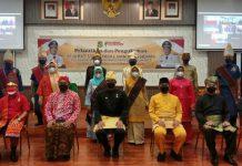 Walikota Medan Bobby Nasution mulai mengeluarkan kebijakan baru dengan mewajibkan penggunaan pakaian adat kepada seluruh Aparatur Sipil Negara (ASN) di lingkungan Pemerintah Kota (Pemko) Medan.