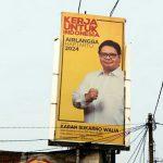 Wakil Bendahara Umum Partai Golkar Karan Sukarno Walia mengaku optimis perekonomian di Indonesia akan segera memasang beberapa baliho Airlangga Hartarto di sejumlah kawasan di Jakarta Utara dan Jakarta Barat.