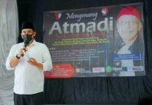 Sejumlah seniman, jurnalis maupun lainnya memperingati 40 hari kepergian jurnalis senior, As Atmadi di Taman Budaya Medan, Jalan Perintis Kemerdekaan, Sabtu (18/9/2021).