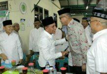 Gubsu Edy Rahmayadi dan Gubernur Aceh Nova Iriansyah saat bertemu beberapa waktu lalu. Nova mengalami kecelakaan hingga patah tulang, di mana ia seharusnya akan menerima pataka PON 2024 bersama Edy Rahmayadi di Papua beberapa hari lagi.