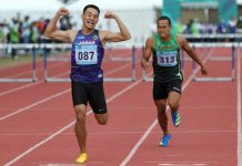 Atlet Jawa Barat, Halomoan EB Simanjuntak (087) berhasil meraih medali emas Atletik PON XX Papua nomor Lari 400m Gawang Putra setelah di babak final menjadi yang tercepat dengan catatan waktu 51,32 detik di Stadion Atletik Mimika Sport Center, Minggu (10/10/2021). (Foto : PB PON XX Papua / Ady Sesotya)