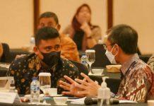 Walikota Medan, Bobby Nasution saat menghadiri rapat pembahasan Ranperda RTRW di Jakarta