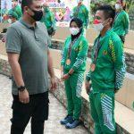 Walikota Medan, Bobby Nasution berikan penghargaan kepada para atlet dan pelatih asal kota Medan peraih prestasi di PON XX Papua, Minggu (24/10/2021).